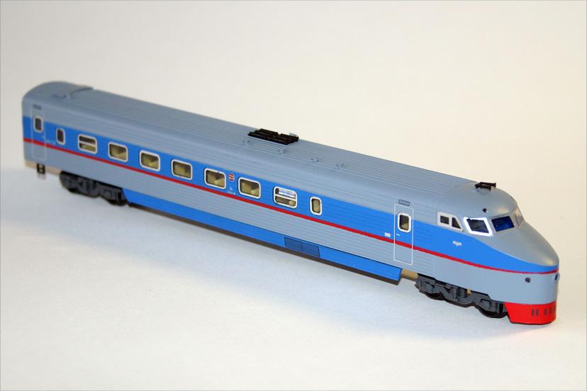 Модель головного вагона ЭР200.